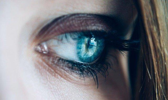 odraz v oku