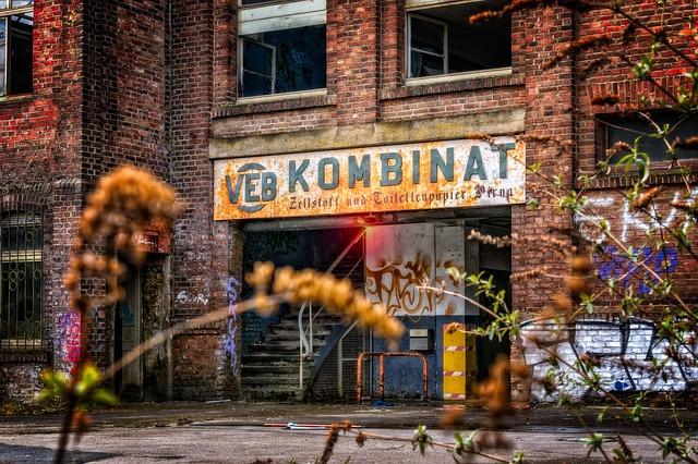 tovární budova