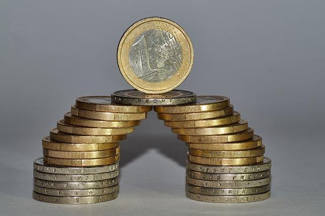 stavba z mincí