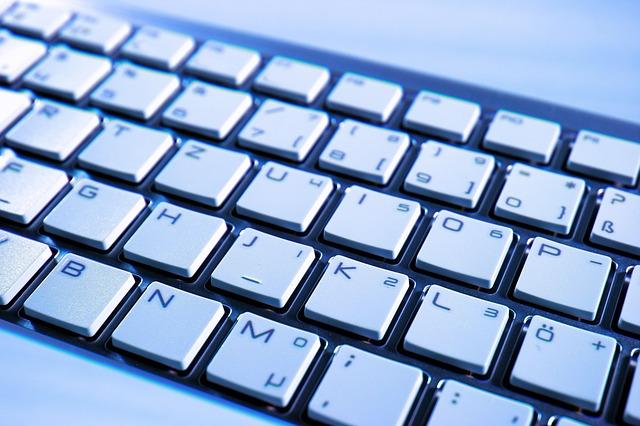 bílé klávesy