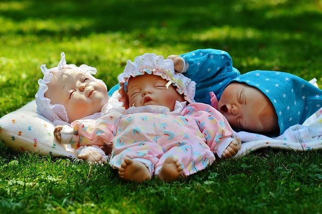 tři panenky