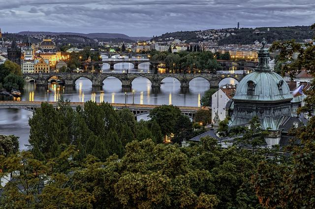 kaskáda pražských mostů