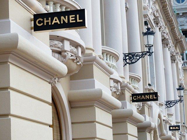 obchody značky Chanel